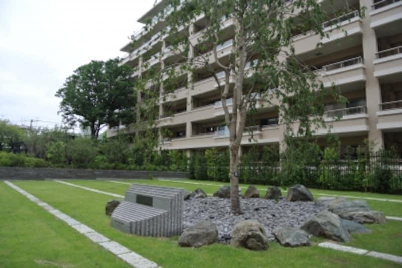 桜上水ガーデンズ内には、かつてのモニュメントも残されている