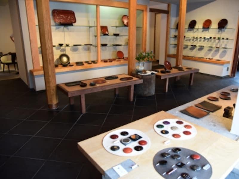 『鎌倉彫博古堂』店内