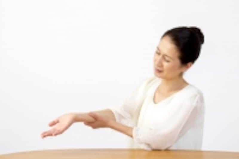 手の痺れや肩周りの重さは胸郭出口症候群かも?