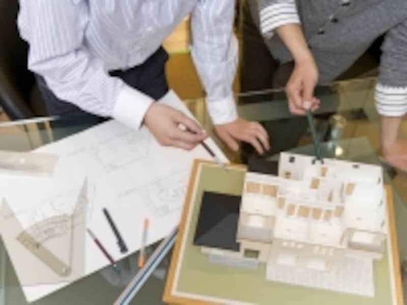 建設業の小さな企業では社会保険の未加入が多い