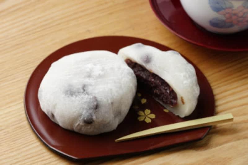 和菓子はなかなか一個では止められないことが多いもの……。