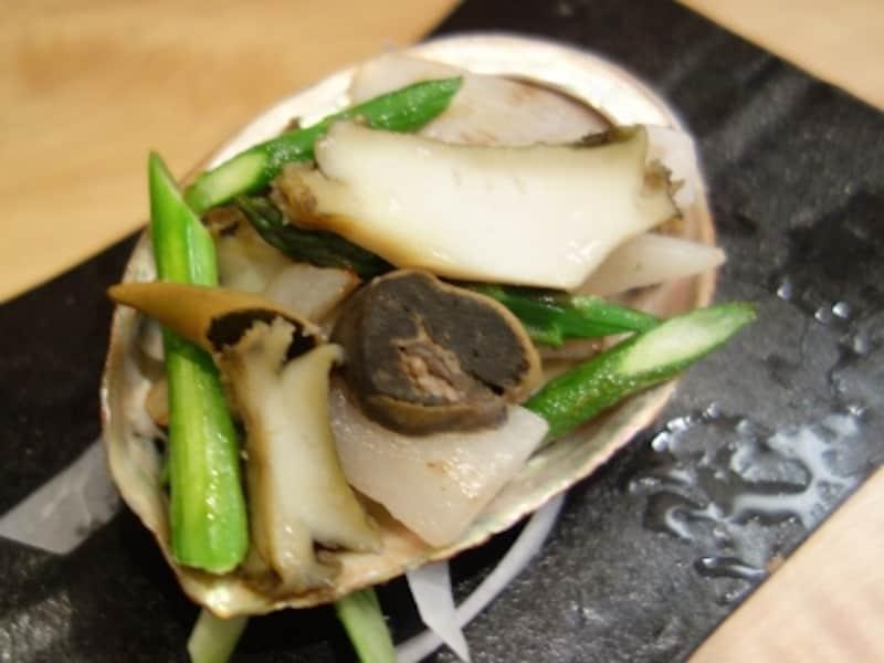 鮑のステーキ(1296円)