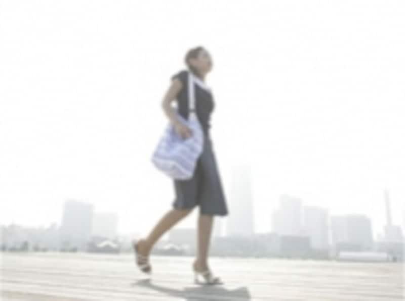 目的や時間を決めず、ふらりと歩く街並みはいつもと違って見えるはず。ゆっくりと散歩を楽しみましょう。