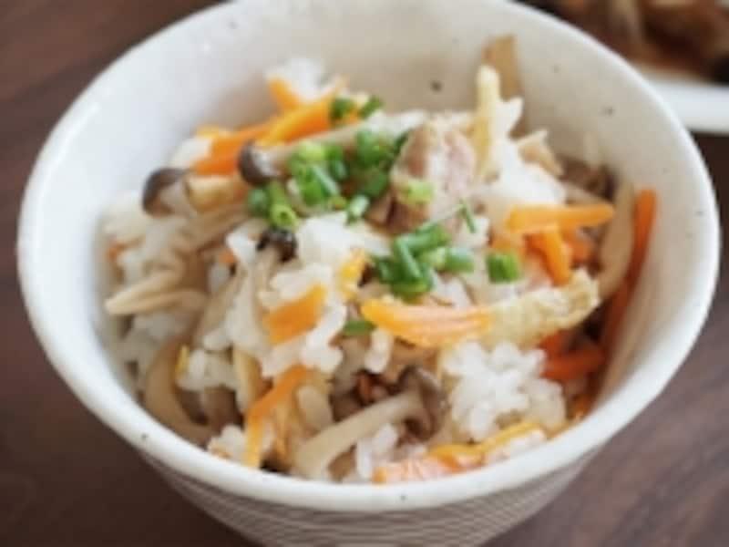 焼き鳥缶の塩炊き込みご飯