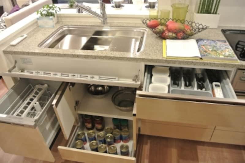 「パークホームズ赤羽西」のモデルルーム(標準タイプ)のキッチン