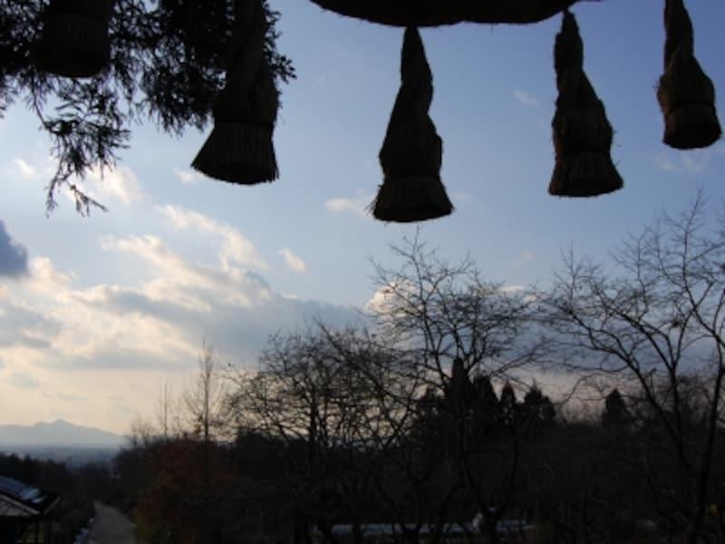 山の辺の道沿いにある、古代から続く檜原(ひばら)神社より