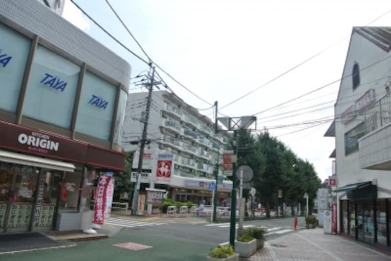「東林間」駅の駅前