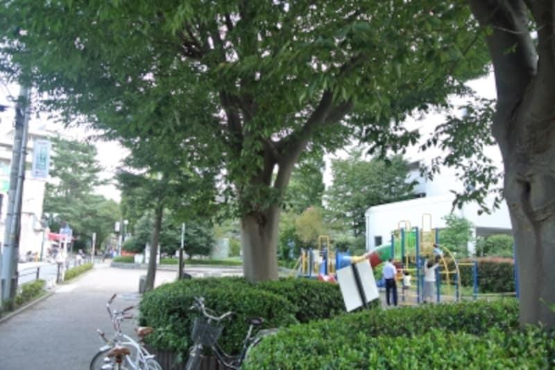 「東林間」駅に近い公園