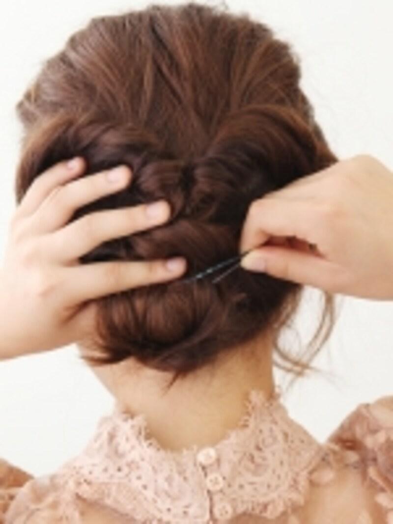 毛先の跳ねもかわいい印象になるので、神経質にならなくてOK!