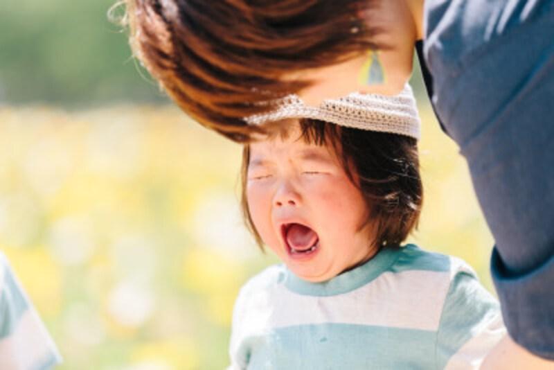 大人自身が子供に対して共感力を示すことで、安心感を育んでやりましょう。