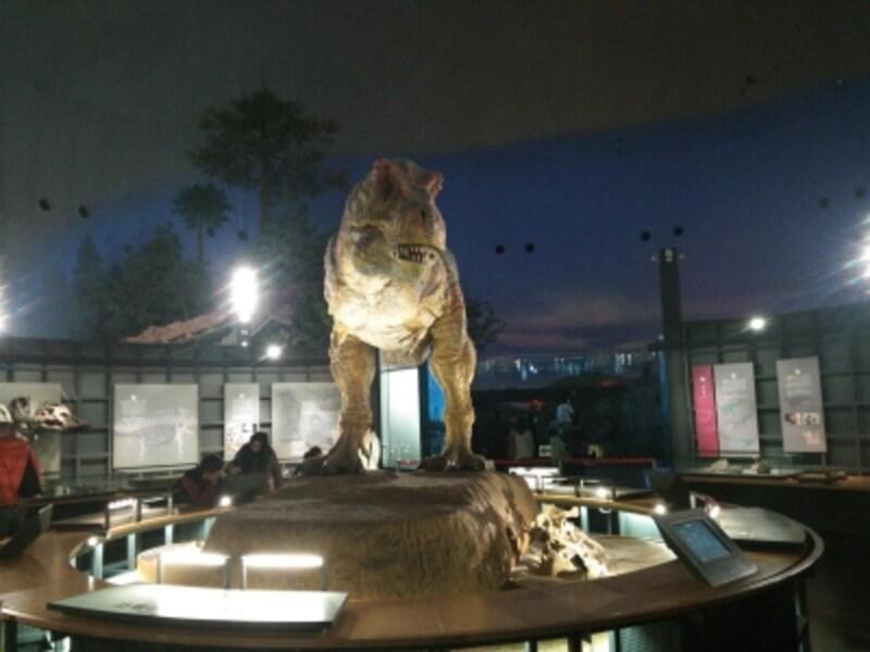 福井県立恐竜博物館(5)/リアルに動く復元模型