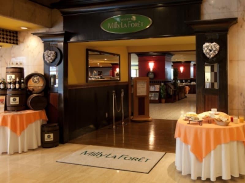 ブラスリーミリーラ・フォーレは、横浜中華街にある「ローズホテル横浜」1階にある、洋食カフェレストラン。朝食からランチ、ディナー、ティータイム、バーまで幅広いメニューを提供(画像提供:ローズホテル横浜)