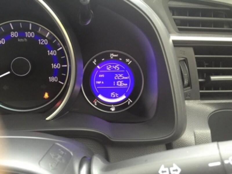 ハイブリッド普及の影で、普通エンジンの実用燃費も確実に向上している