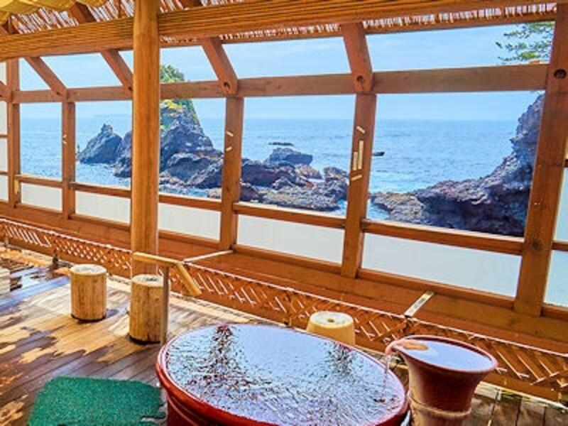 熱海温泉ロイヤルウイングの姉妹館ニューアカオの露天風呂