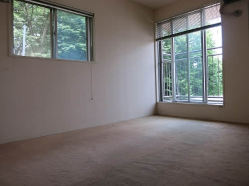 現状のカーペット部屋の画像1undefined