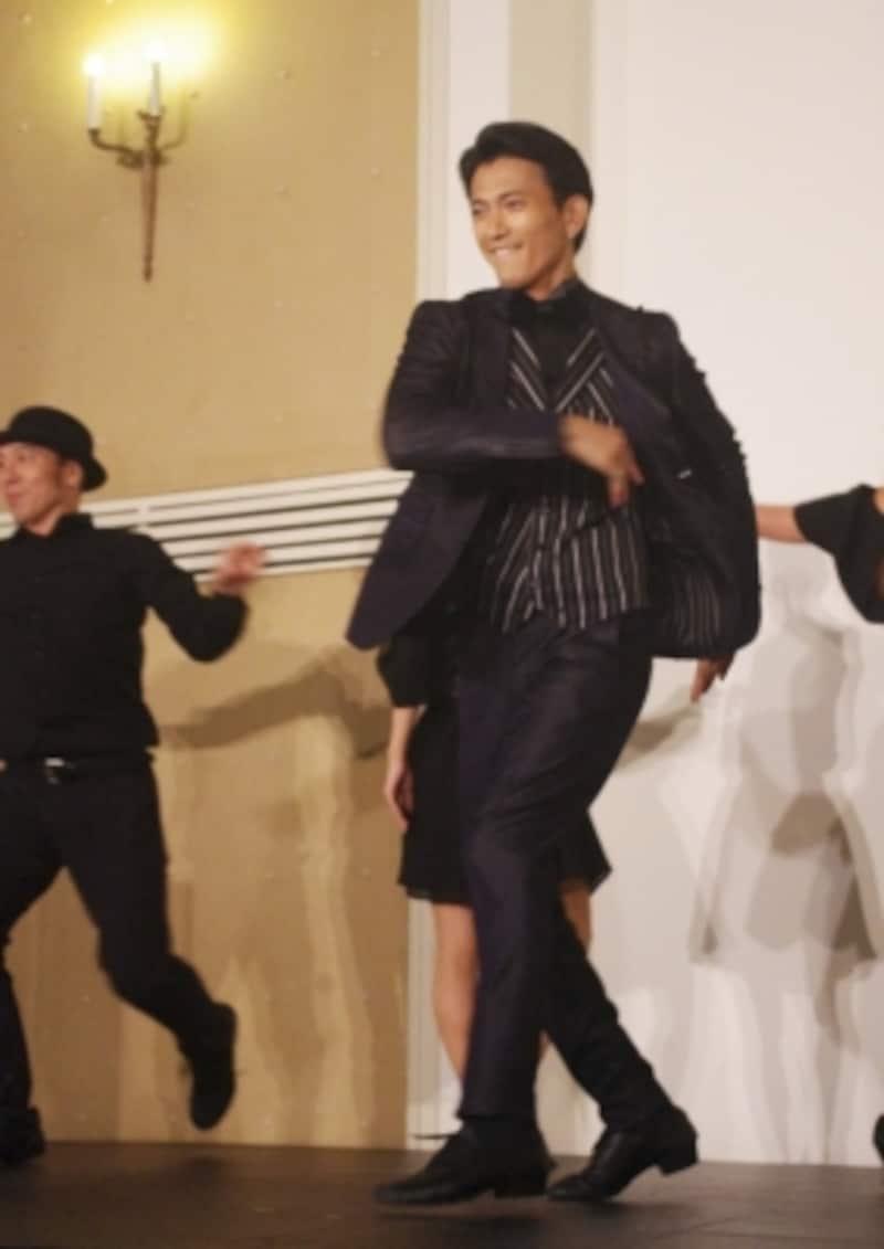 『スコット&ゼルダ』製作発表ではシャープなダンスを披露。(C)MarinoMatsushima