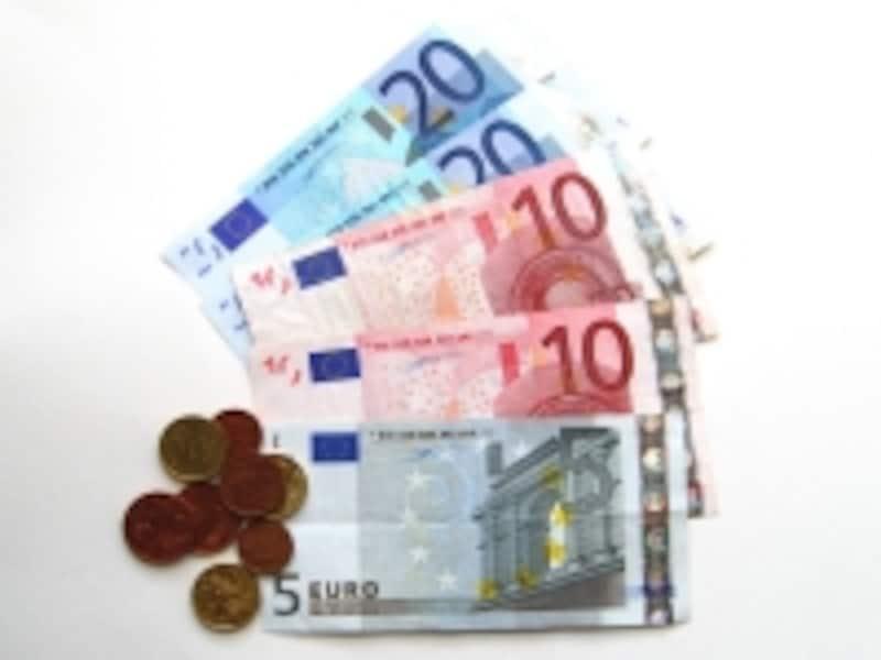 お金はユーロの現金が最も両替しやすく便利