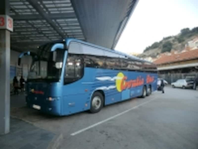 クロアチアをはじめ、東欧のバスは概ね豪華で快適!