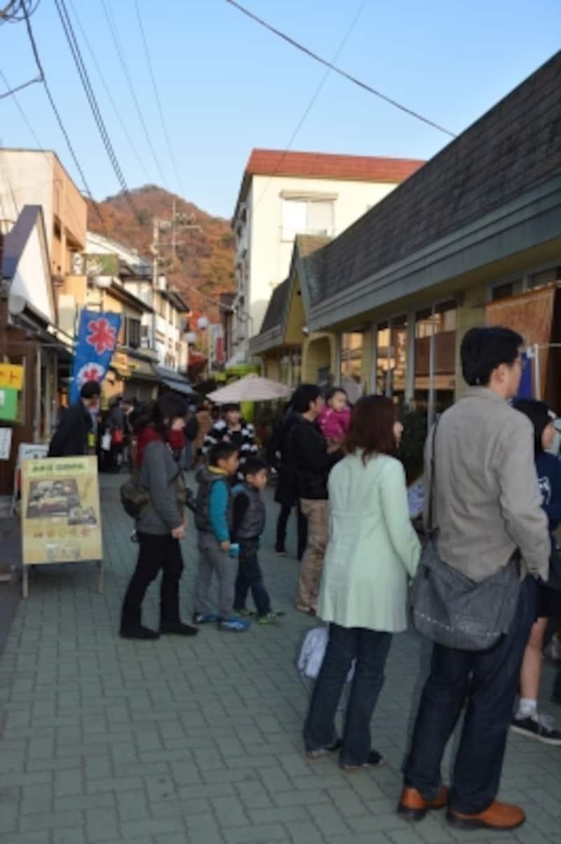 レトロな雰囲気が漂う長瀞岩畳商店街