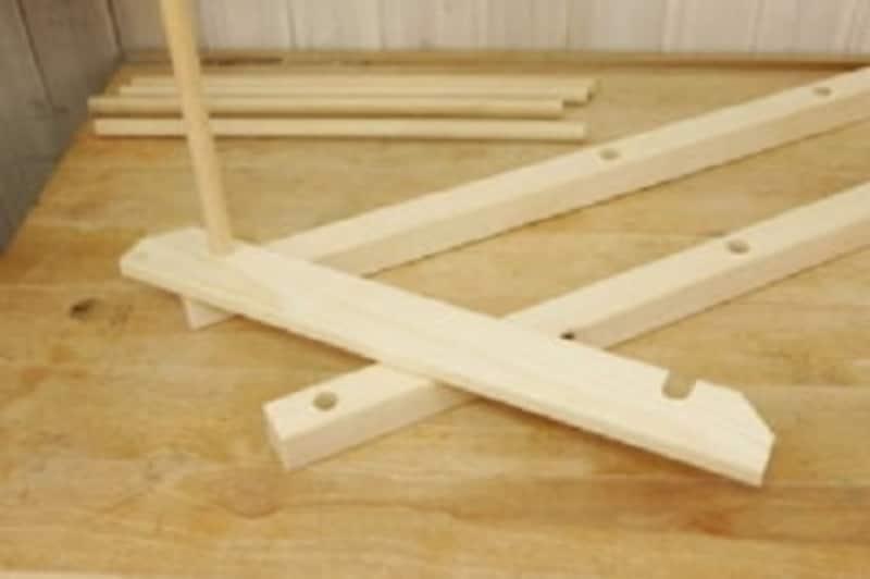 折りたたみテーブルのDIY・きつい場合ヤスリで調整します
