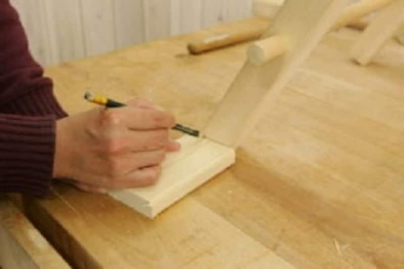 折りたたみテーブルのDIY・必ず平らな所で