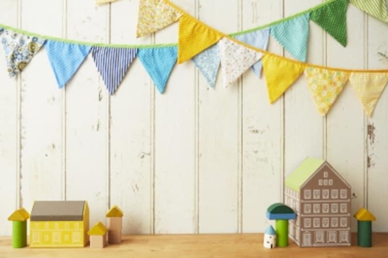 ガーランドを身近なもので手作りして飾ってみよう!手作りガーランドの作り方&飾り方