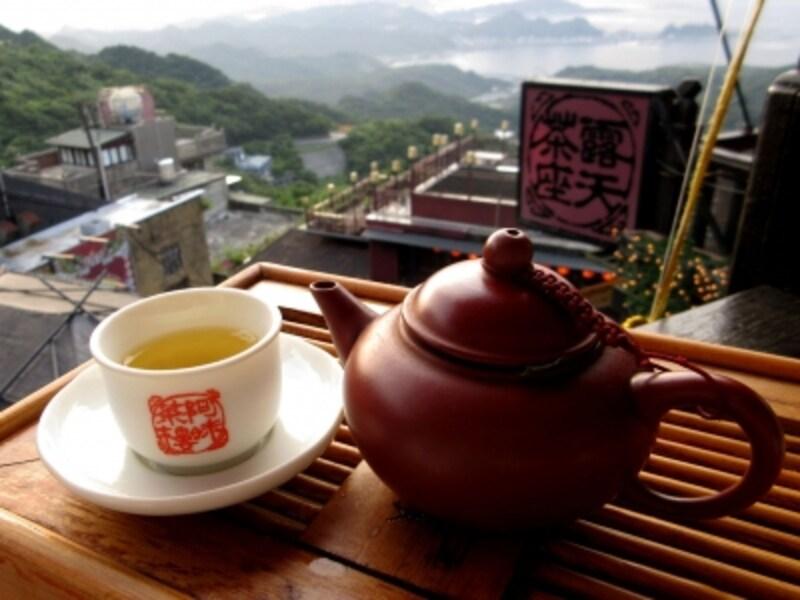 台北近郊の人気の街「九分(きゅうふん)」の代名詞的な有名茶館「阿妹茶酒館(あめおちゃ)」