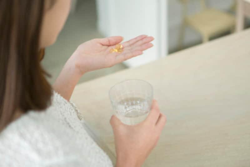 妊娠中は、ハーブ系などホルモンバランスに影響を与えるサプリは飲んではいけない