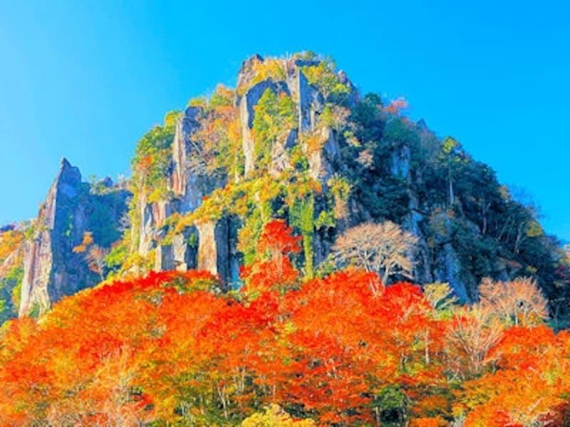 深耶馬渓「一目八景・鳶ノ巣山」の紅葉