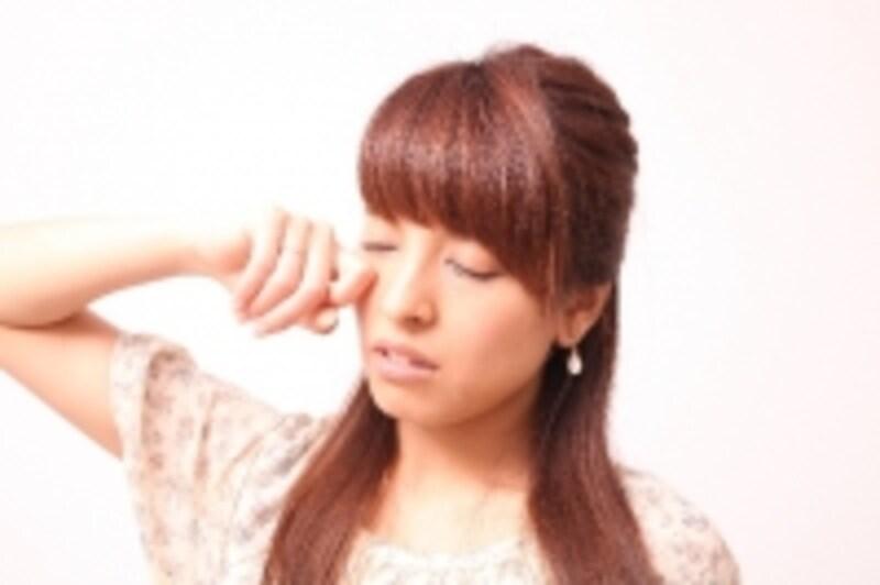 寝ている間に筋肉が凝るのみならず、様々な症状に及ぶ可能性があります