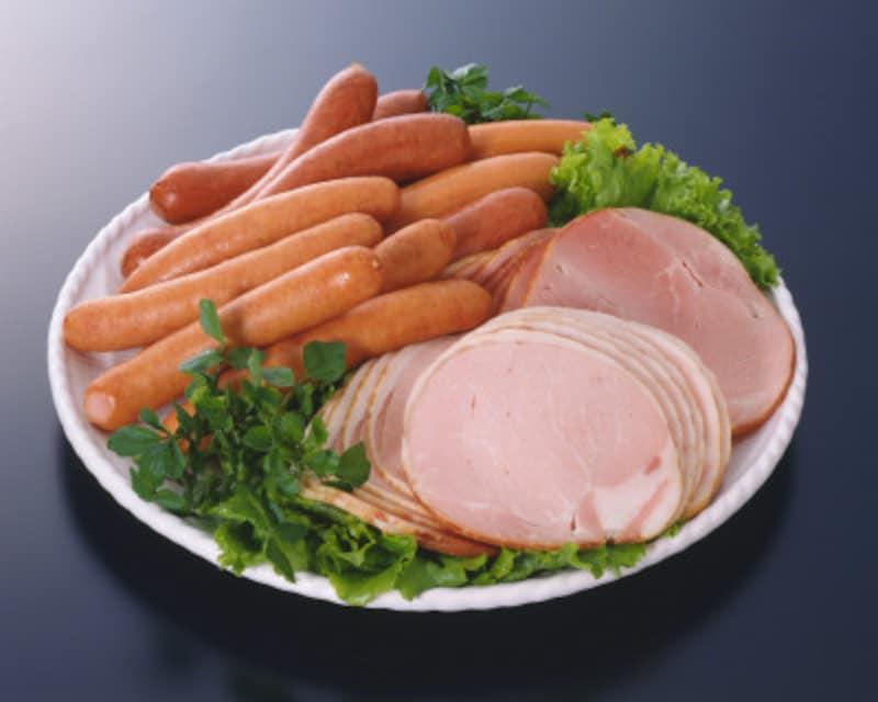 ハム・ソーセージは健康に悪い?加工肉・赤肉による大腸がんのリスクは