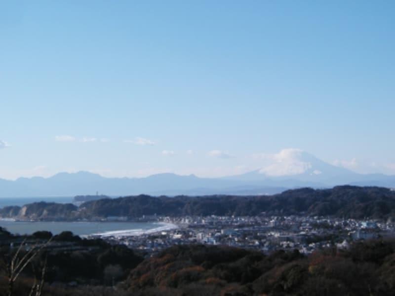 「パノラマ台」からの絶景。鎌倉の街並みと海を一望