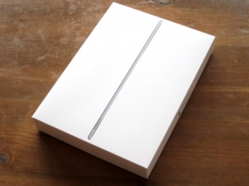 パッケージのデザインは、これまでを踏襲していますが箱が大きい。
