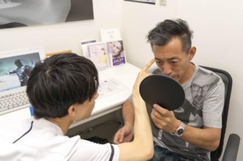 カウンセリングを受ける山田ゴメス53歳