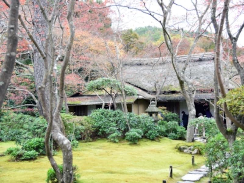 紅葉の季節の大河内山荘