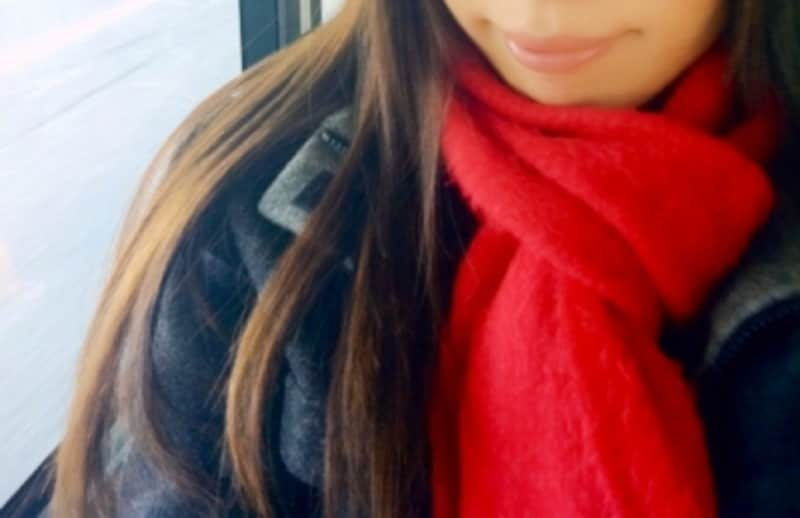 外では「あったか」な防寒着も、電車や室内ではむっとした暑さに……。