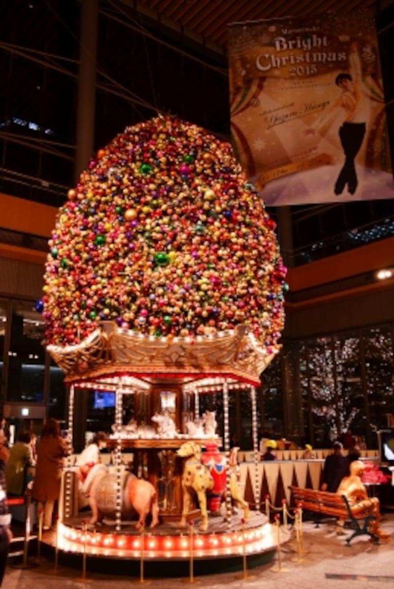 丸ビル1階のクリスマスツリー