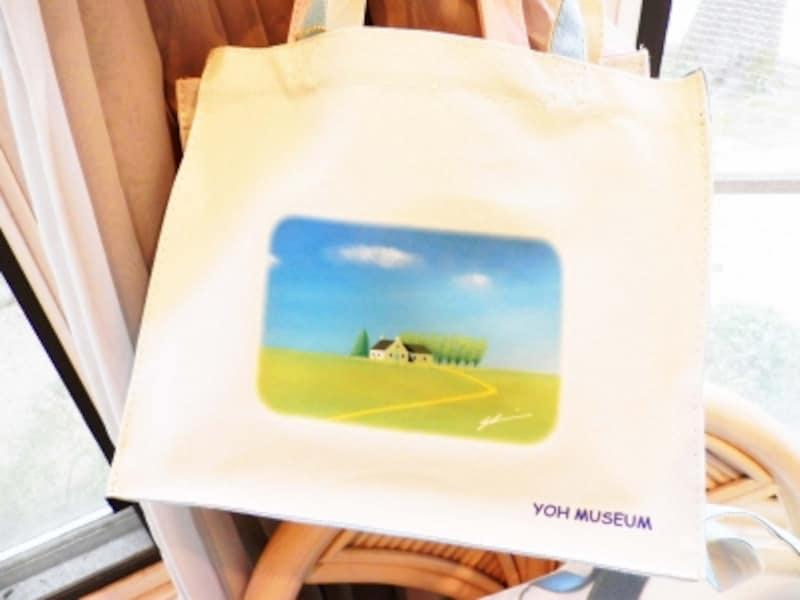 ミュージアムショップで販売されているバッグ