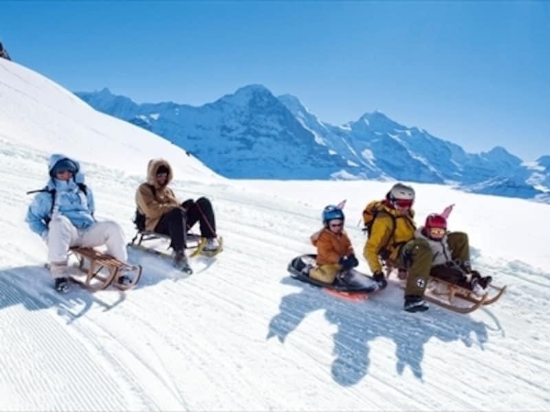 スイスのソリ遊び