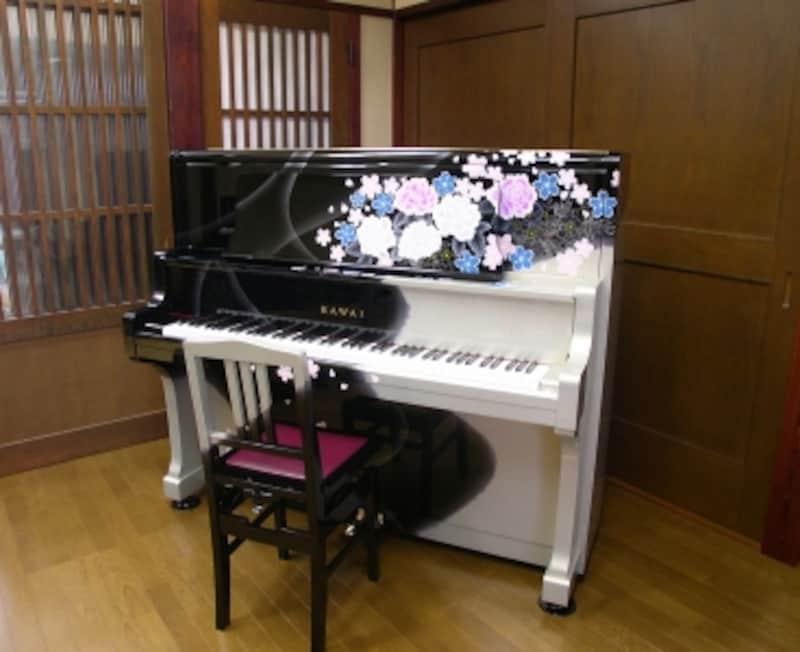 和モダンのリメイクピアノの写真
