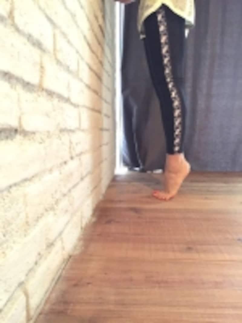 足の甲の延長線上にひざ