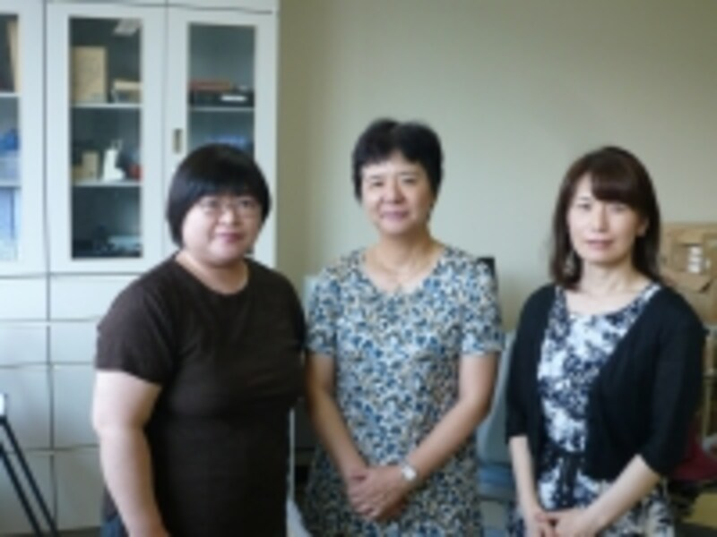 左から齋藤美和講師、奥谷文乃教授、杉本加代講師