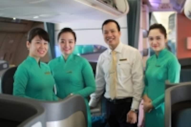 ベトナム航空の客室乗務員の方々