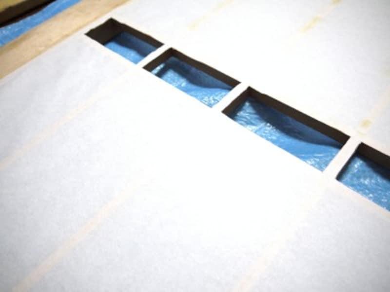 障子の部分補修:内側に障子紙が残らないようにします