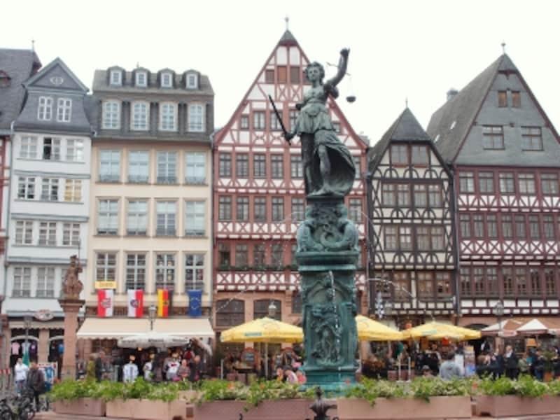 フランクフルトの観光 レーマー広場