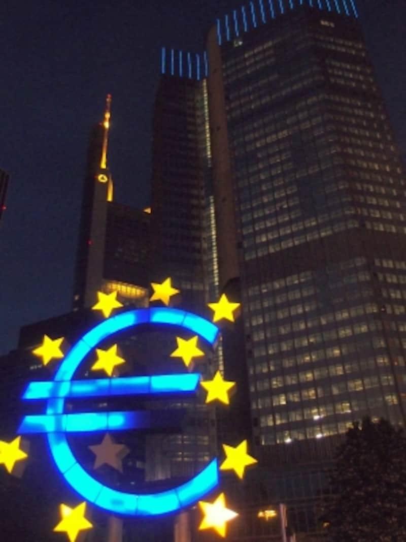 フランクフルトの観光:欧州中央銀行とユーロマーク