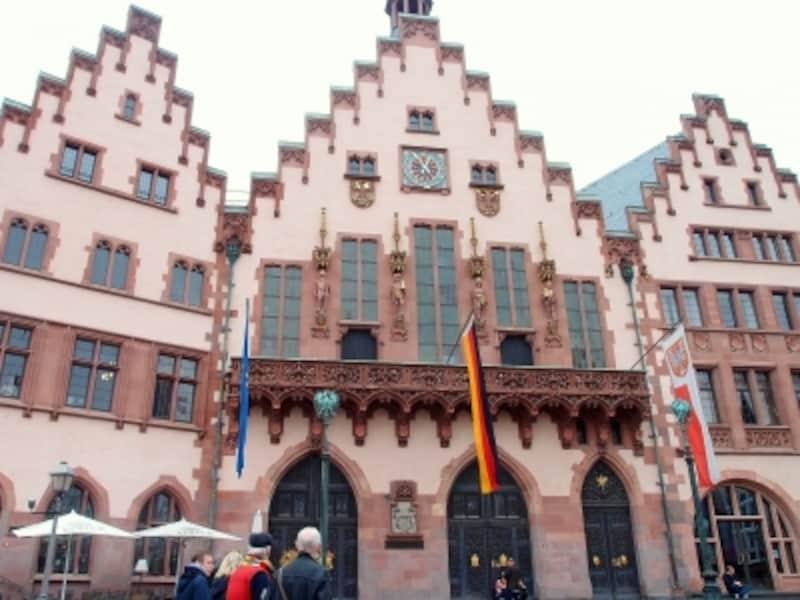 フランクフルトの観光 レーマー広場旧市庁舎