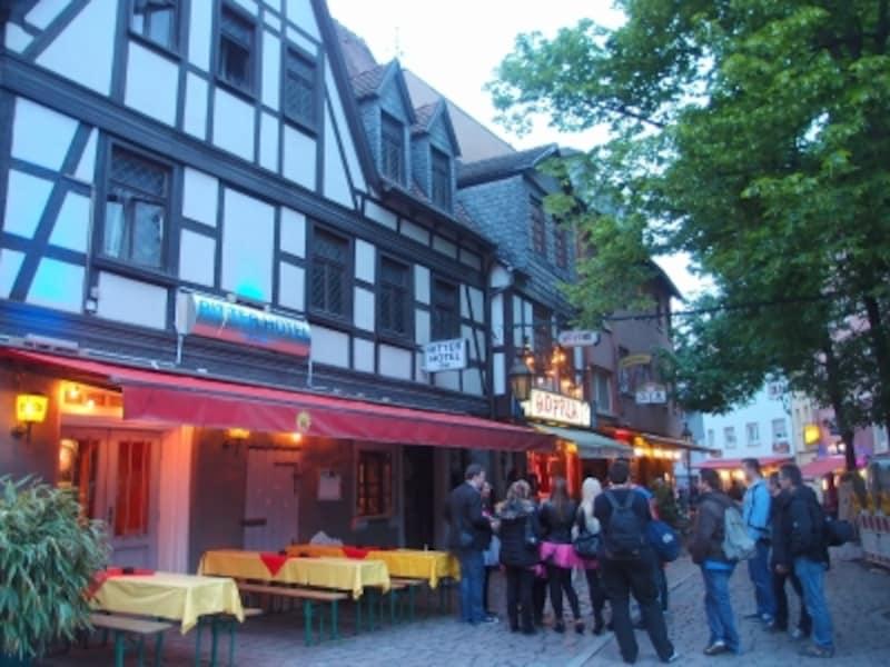 フランクフルトの観光:ザクセンハウゼンの街並み