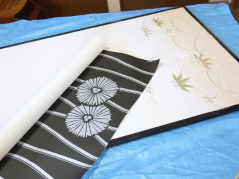 壁紙を使った、ふすまの洋風アレンジDIYの方法