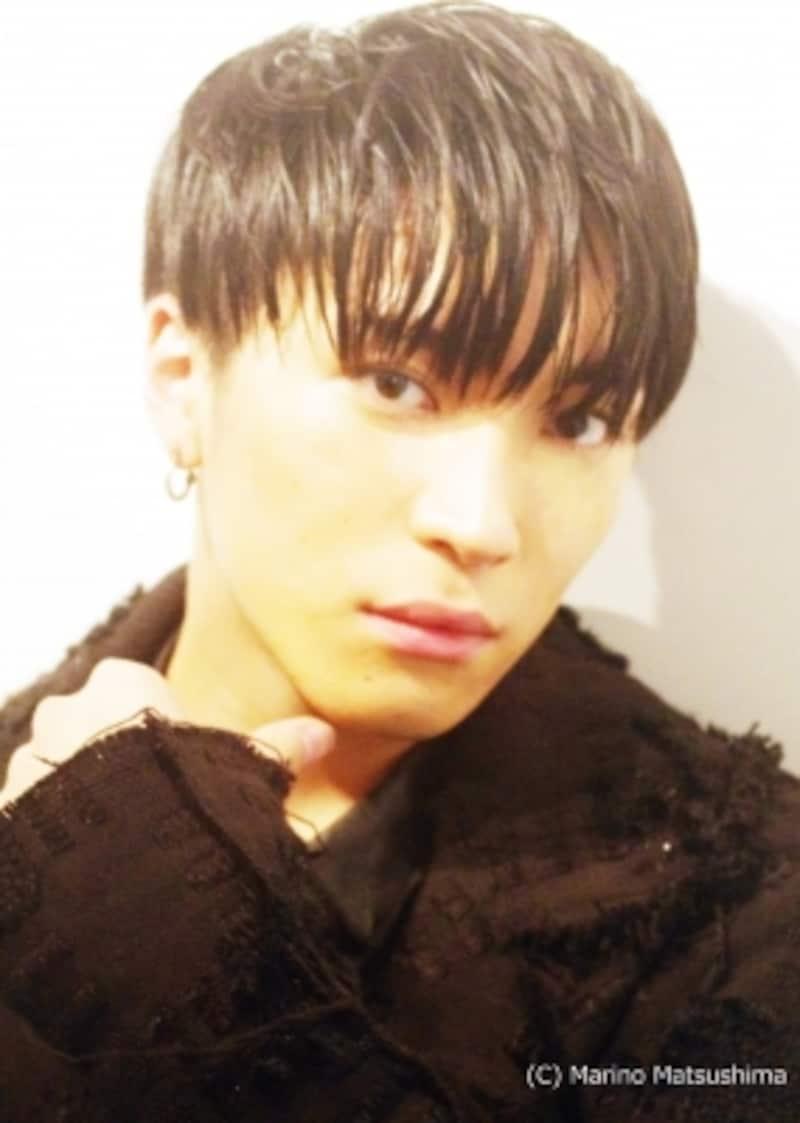 松下優也(X4)90年兵庫県生まれ。08年にCDデビューし、翌年『音楽舞踏会「黒執事」―その執事、友好―』で初舞台。音楽・舞台・TV・映画と多方面で活躍している。近年の出演舞台に『モンティ・パイソンのSPAMALOT』、『イン・ザ・ハイツ』など。15年10月にダンスボーカルユニット「X4」としてメジャーデビュー。(C)MarinoMatsushima